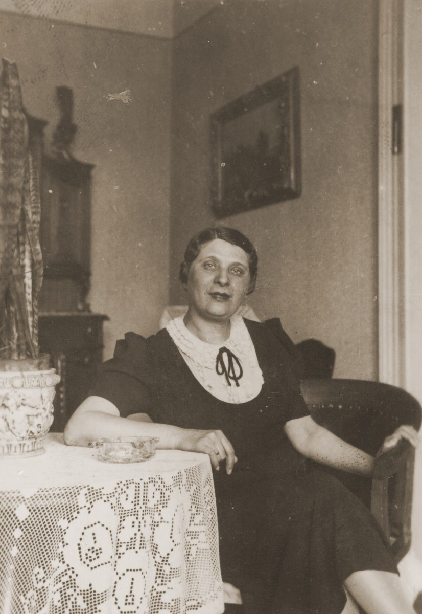 Portrait of Margit Krausz at her home in Budapest.