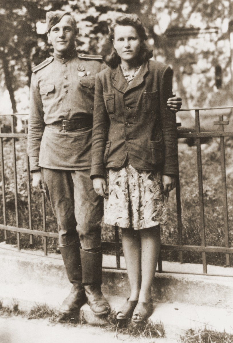 Portrait of Jewish siblings from Kovno who were reunited at the end of the war.  Pictured are Tamara and Victor Lazerson.