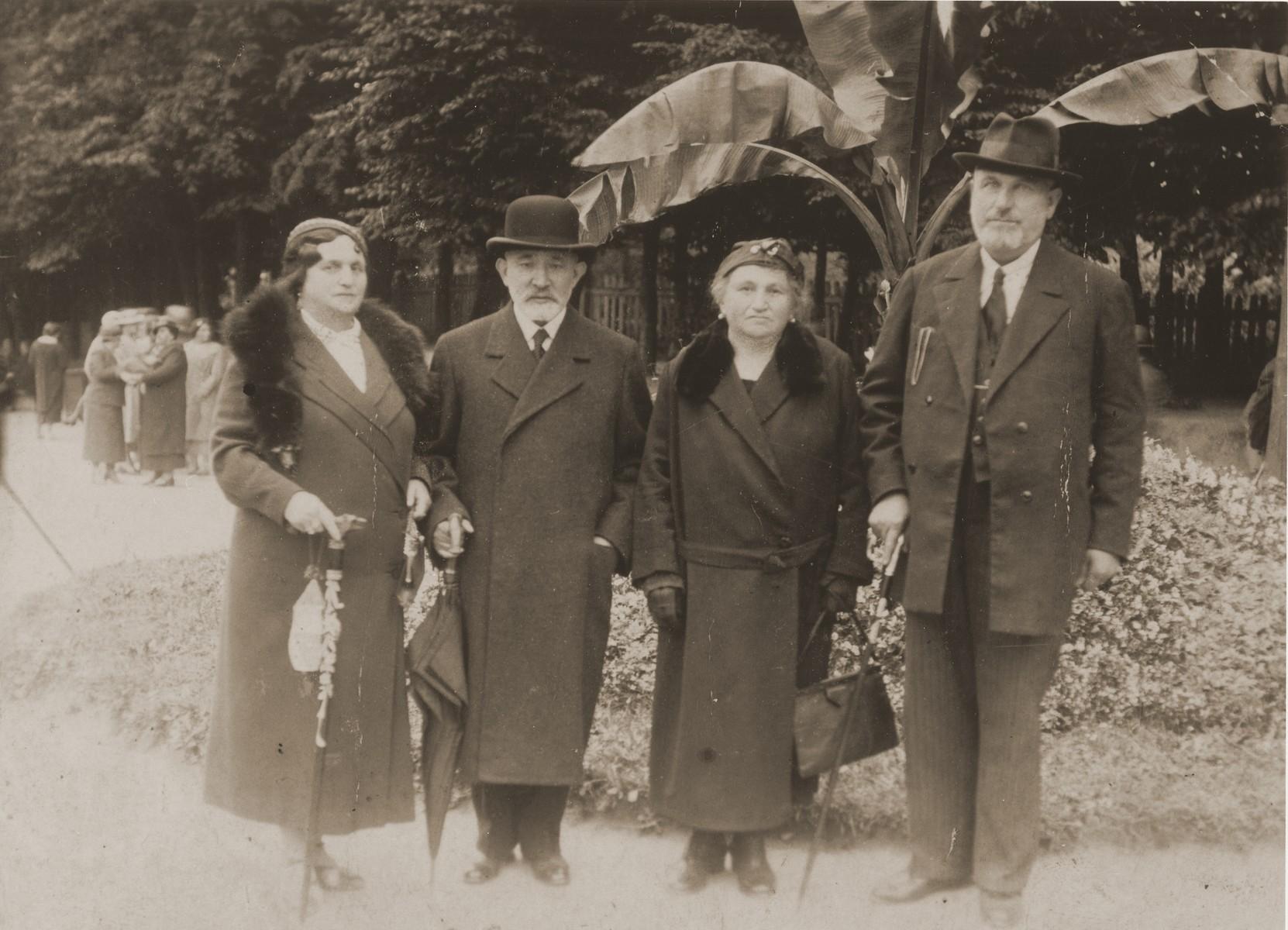 Members of the Frank family from Biala Rawska at a resort in Ciechocinek.