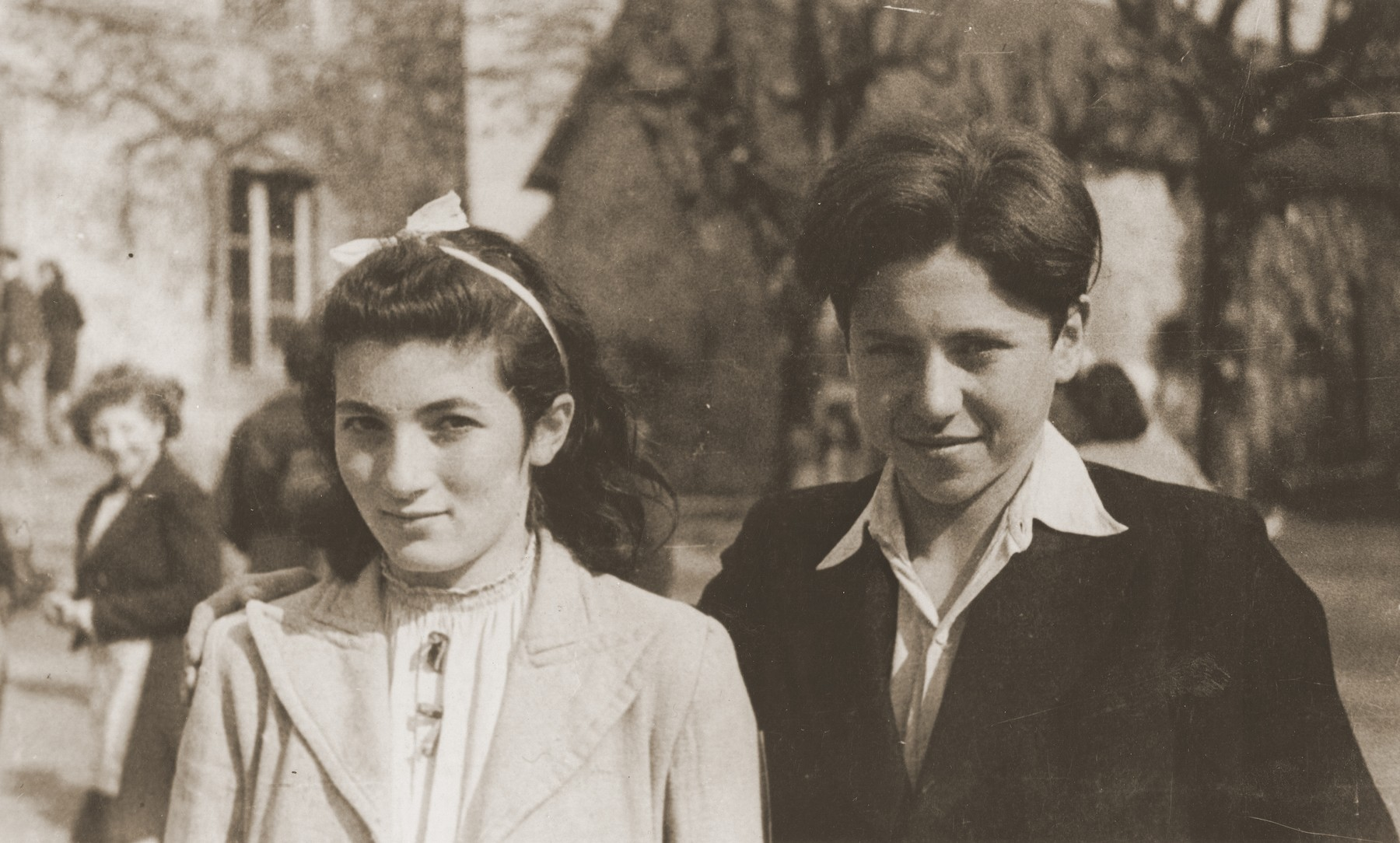 Heinz Stephan Lewy poses with Louise Budnick at the Château de Chabannes OSE (Oeuvre de secours aux Enfants) home near Limoges.    The photo was inscribed by Andree and given to Heinz on the eve of his departure for America.