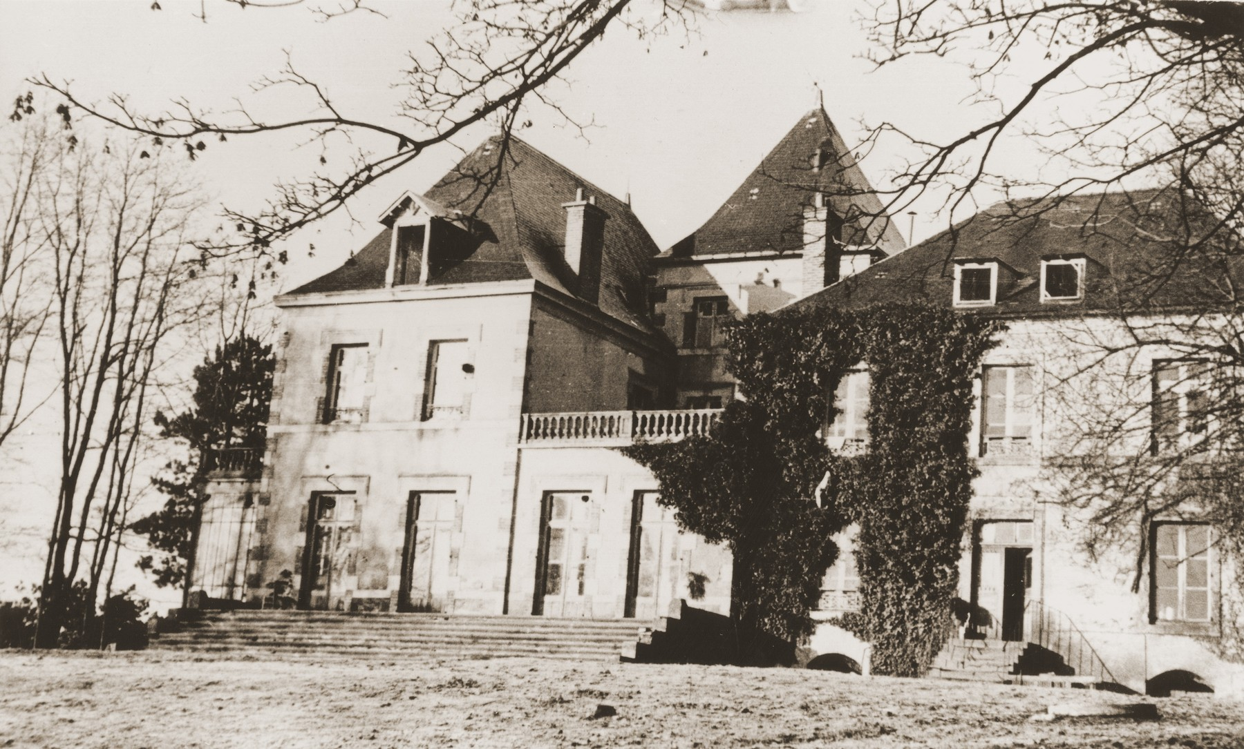 View of the Château de Chabannes OSE children's home near Limoges.