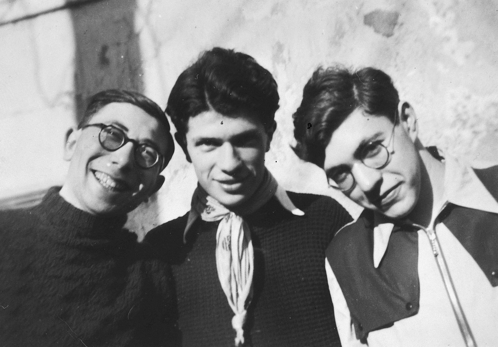 Three members of the Zionist youth movement Techelet Lavan (Blue-White).  Pictured are Shmuel Katz (middle) and Arje Stein (right).