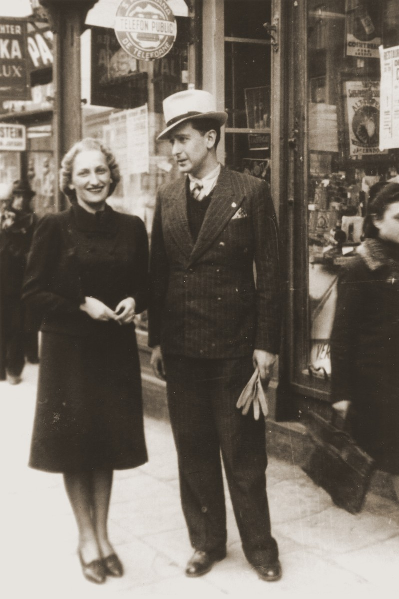 Lotte Gottfried and Willy Schwartz on the Herrngasse, a commercial street in Czernowitz.