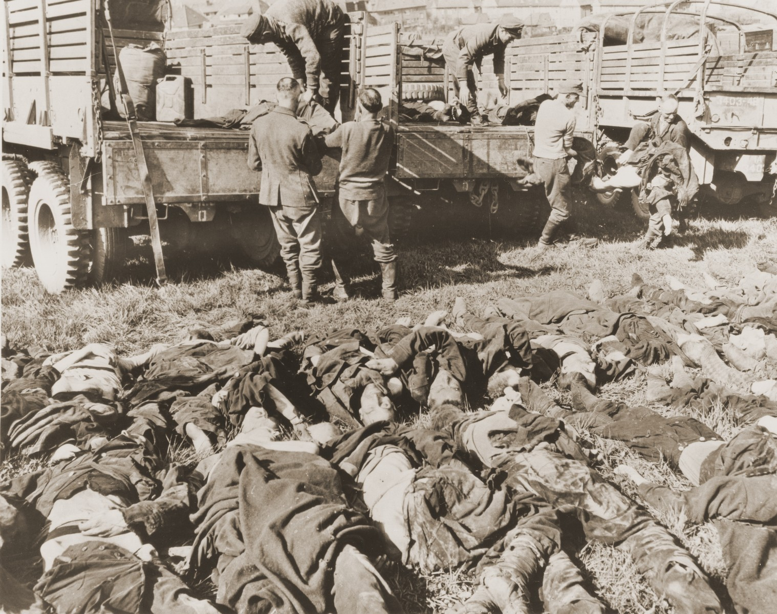 German POWs prepare to bury the bodies of 200 Soviet prisoners who perished in the Hemer POW camp.
