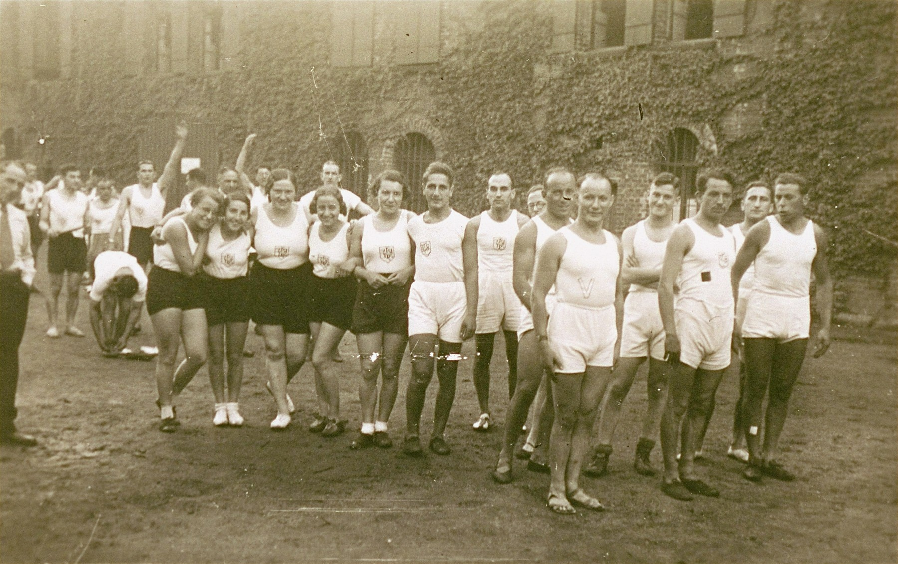 Members of the Reichsbund juedischer Frontsoldaten sports club at the West German Meisterschaft competition in Cologne.  Ilse Dahl is pictured fifth from the right.