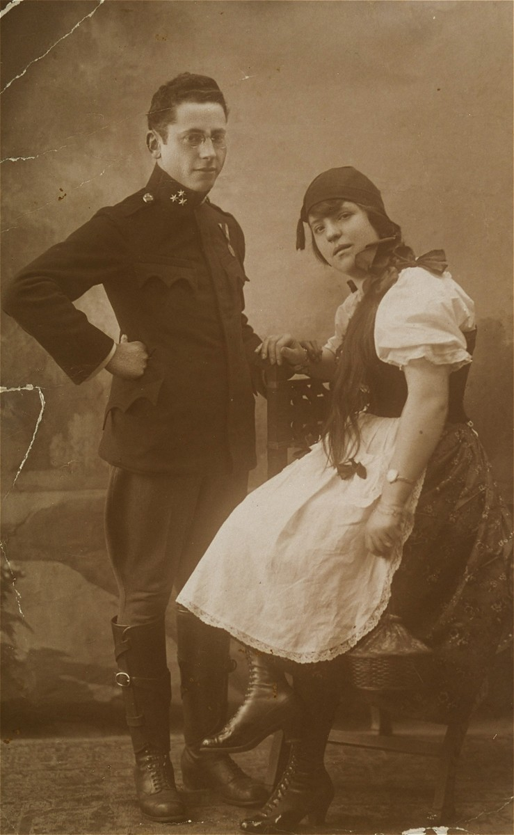 Shraga Fajvel Heilman, an officer in the Austrian army with his wife, Helena Ita Rost Heilman, donor's parents.