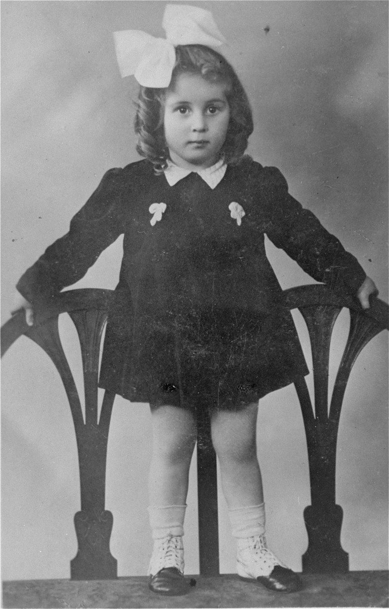Portrait of Nusienka Liss who perished in Auschwitz at the age of 7.  She, her parents, David and Julia Liss and her brother, Henryk, were deported to Auschwitz on August 31, 1944. Only David survived.