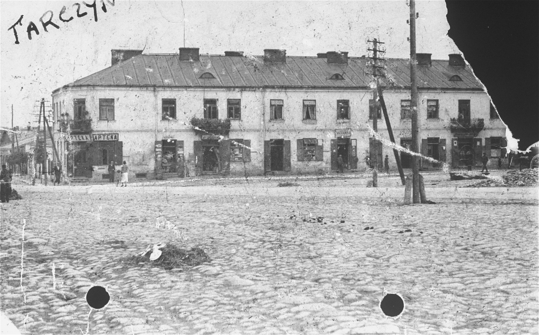 View of a Jewish-owned building in Tarczyn.  The building was the home of Abram Borenstein (the donor's uncle).