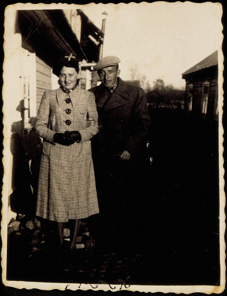 Shoshana Katz poses with her fiance, Hebrew teacher Leibke Botwinik, in the Weidenberg's alley.  Shoshana Katz was murdered by the Germans during the September 1941 mass shooting action in Eisiskes.  Leibke Botwinik was murdered by the Polish Home Army.