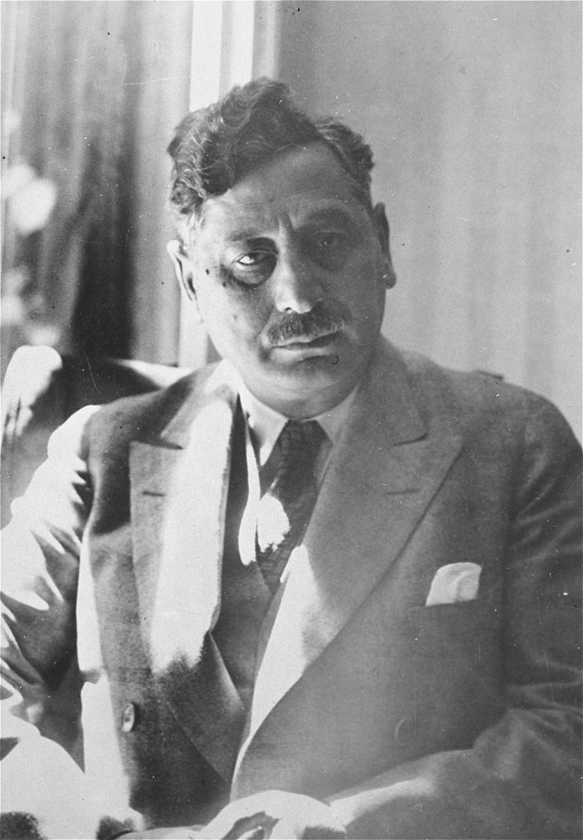 Portrait of Yiddish novelist Sholem Asch.
