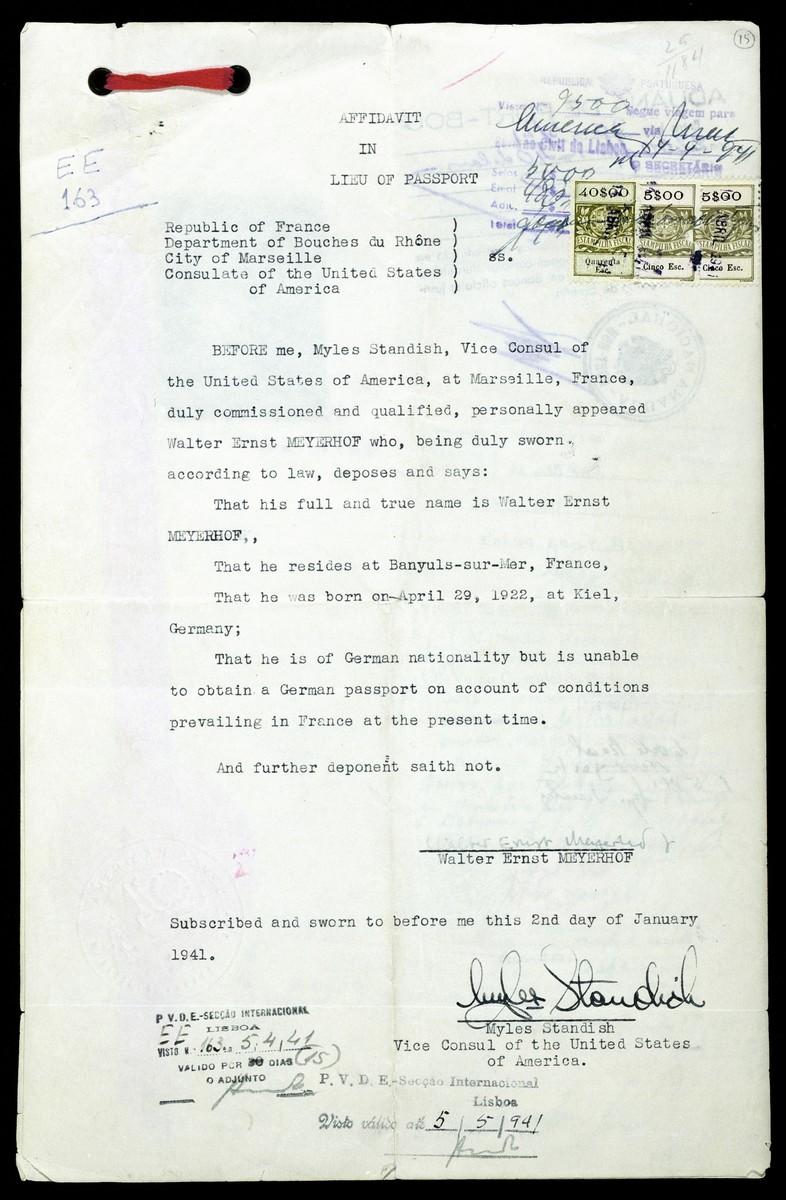 Affadavit in lieu of Passport issued by Myles Standish, Vice Consul of the United States to German Jewish refugee Walter Meyerhof.
