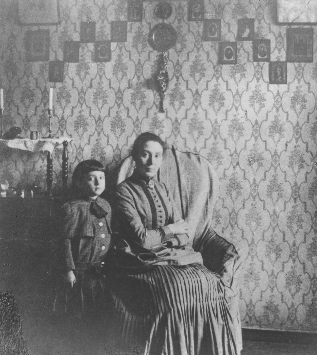 Fania Mikolaevsky with her grandson Sasha Magid in her home in St. Petersburg.