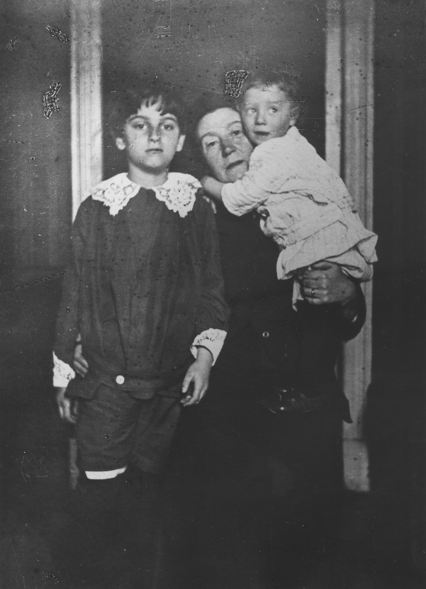 Fanya Mikolaevsky with her two grandsons, Nathaniel Broido (in her arms), and Sasha Magid (left).