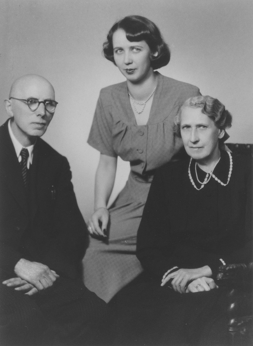 An intermarried Czech-Jewish family in occupied Prague.  Pictured from left to right are Karrill Hermann, Elizabeth (Hermann) Brod and Friederike (Lahr) Hermann.