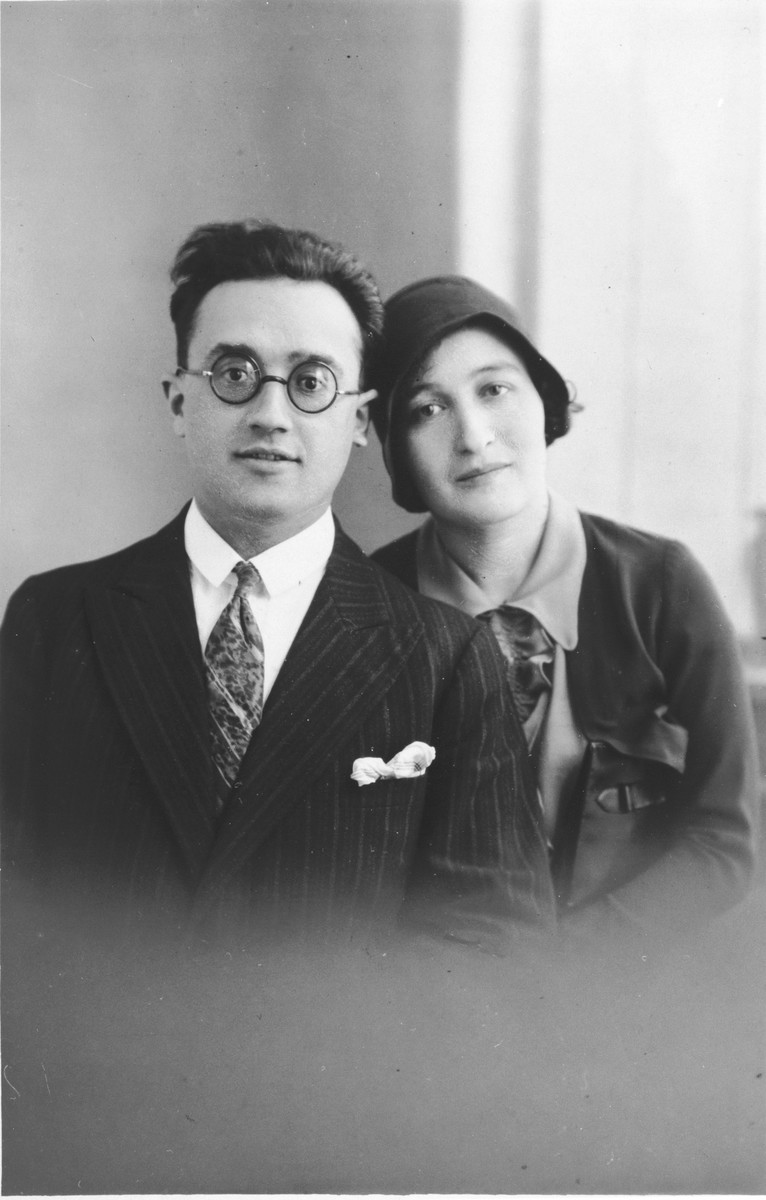 Wedding portrait of Iser Bystryn and Sara Wolksky in 1930.