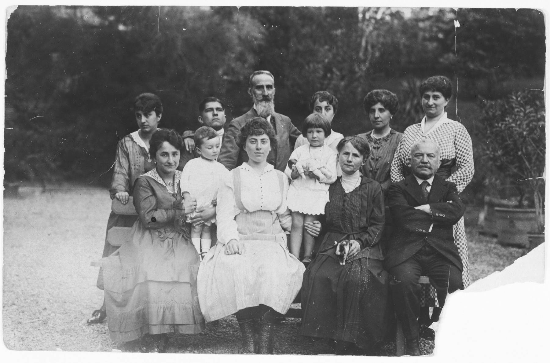 Members of the Levy family.  Included are the grandparents of Franco Fubini.