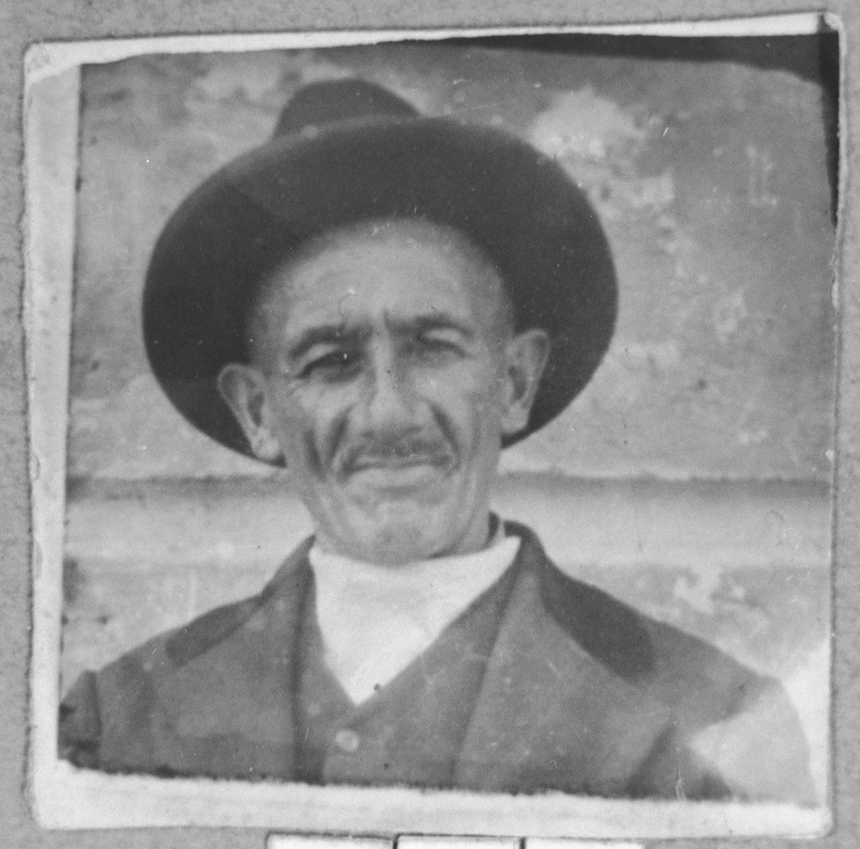 Portrait of Rachamin Russo.  He was a second-hand dealer.  He lived at Karagoryeva 66 in Bitola.