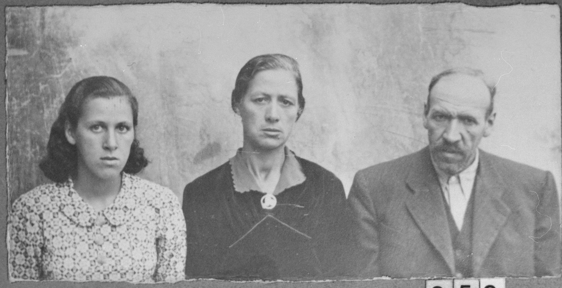 Portrait of Mushon Simaya, his wife, Mathilda, and his daughter, Rekula.  Mushon was a laborer and Rekula, a student.  They lived at Nedelska 11 in Bitola.