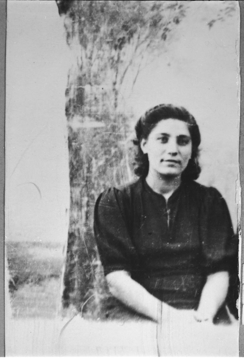 Portrait of Sara A. Sadikario, [daughter of Avram Sadikario].  She was a student.  She lived at Zmayeva 14 in Bitola.