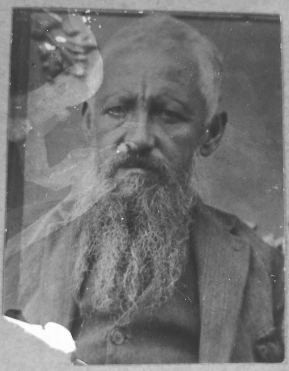 Portrait of Yosef Sadikario.  He was a rag dealer.  He lived at Asadbegova 7 in Bitola.