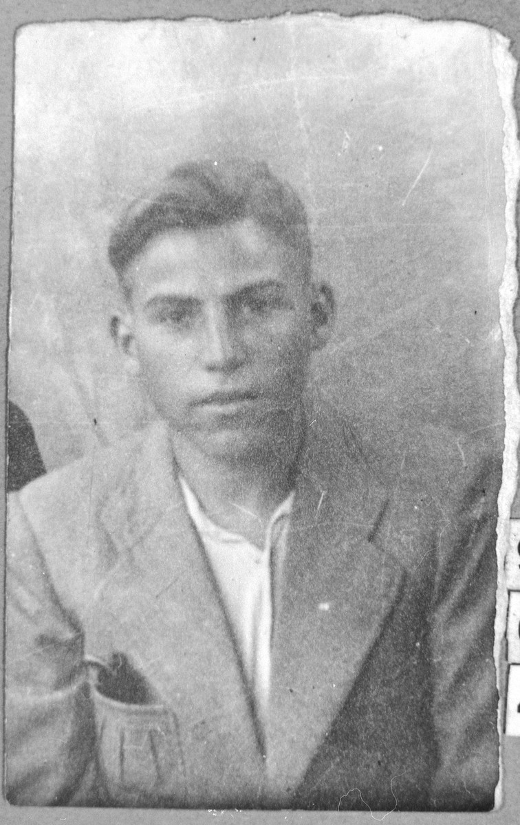 Portrait of Moriko Russo, son of akov Russo.  He was a student.  He lived on Gostivarska 5 in Bitola.