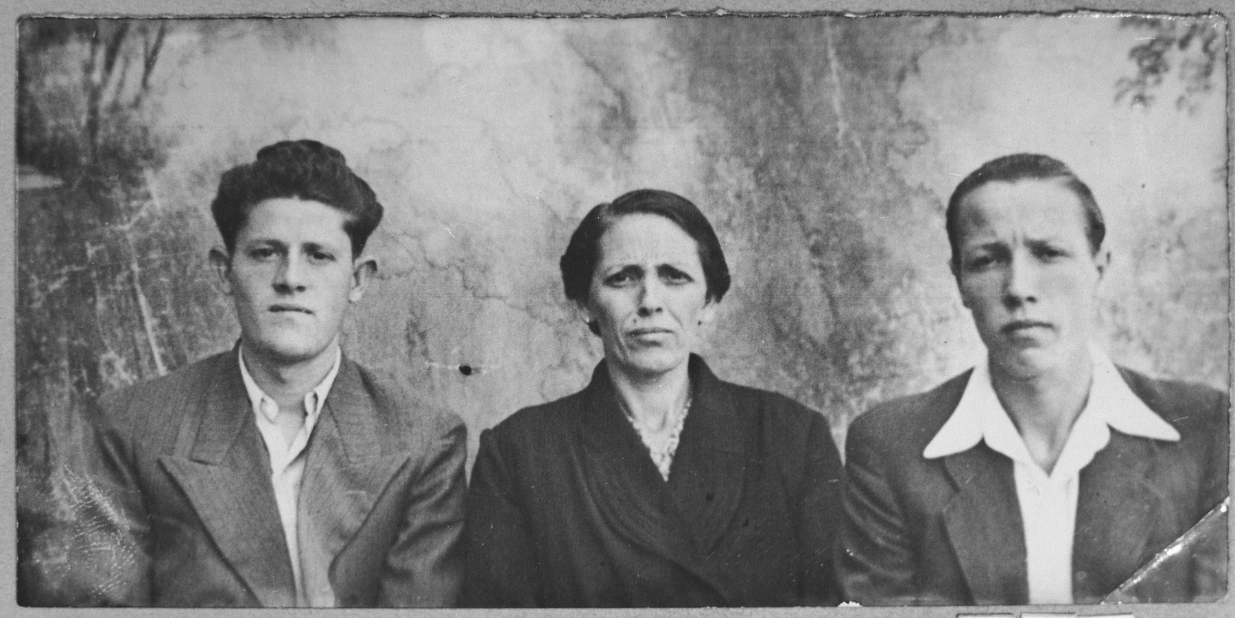 Portrait of Mathilda Russo, wife of Aron Russo, and Aron's sons, Anri and Isak.  Anri and Isak were students.  They lived at Karagoryeva 66 in Bitola.
