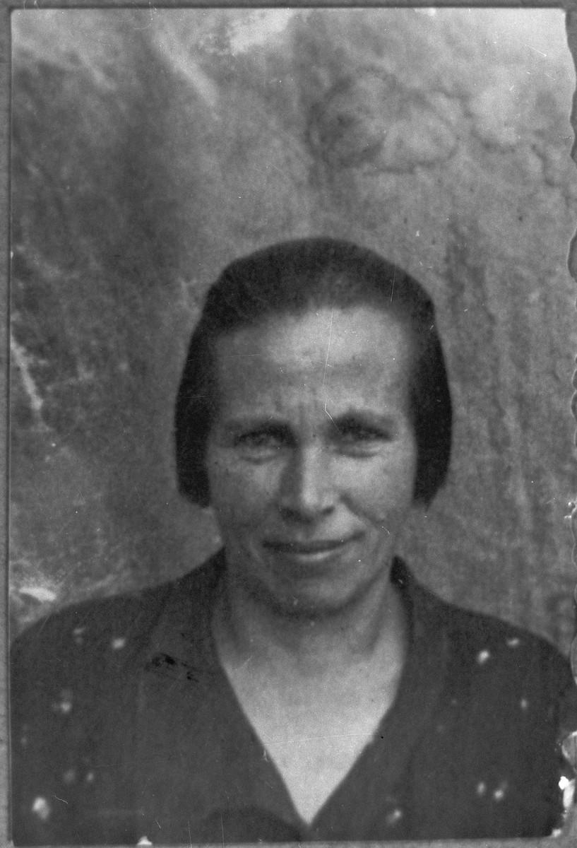 Portrait of Reina Sadikario, wife of Isak Sadikario.  She lived at Karagoryeva 73 in Bitola.