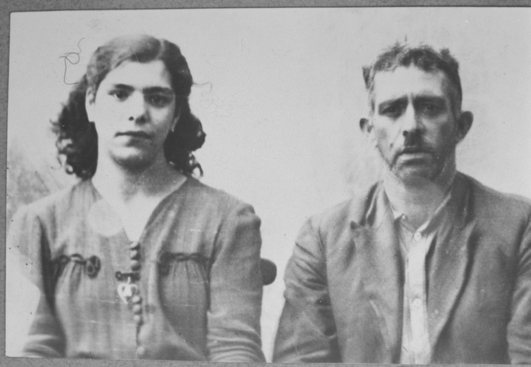 Portrait of Mushon (I.) Sarfati, and his daughter, Regina.  Mushon was a sackmaker, and Regina, a student.  They lived at Kosantchitcheva 18 in Bitola.