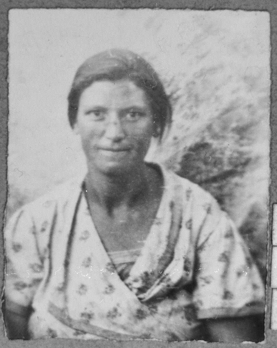 Portrait of Buena Sarfati, wife of Mati Sarfati.  She lived at Davidova 15 in Bitola.