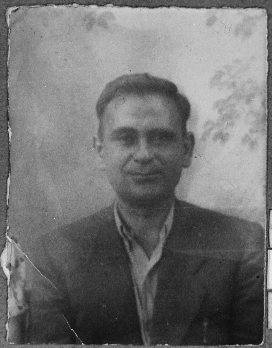 Portrait of Nissim Solomon, son of Shabetai.  He was a jeweler.  He lived at Karagoryeva 111 in Bitola.