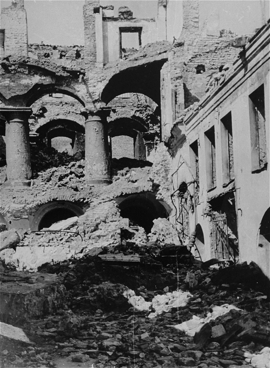 "Ruins of Vilna's Gaon Synagogue.  George Kadish's Yiddish caption reads ""The Gaon Synagogue burnt by the Germans."""