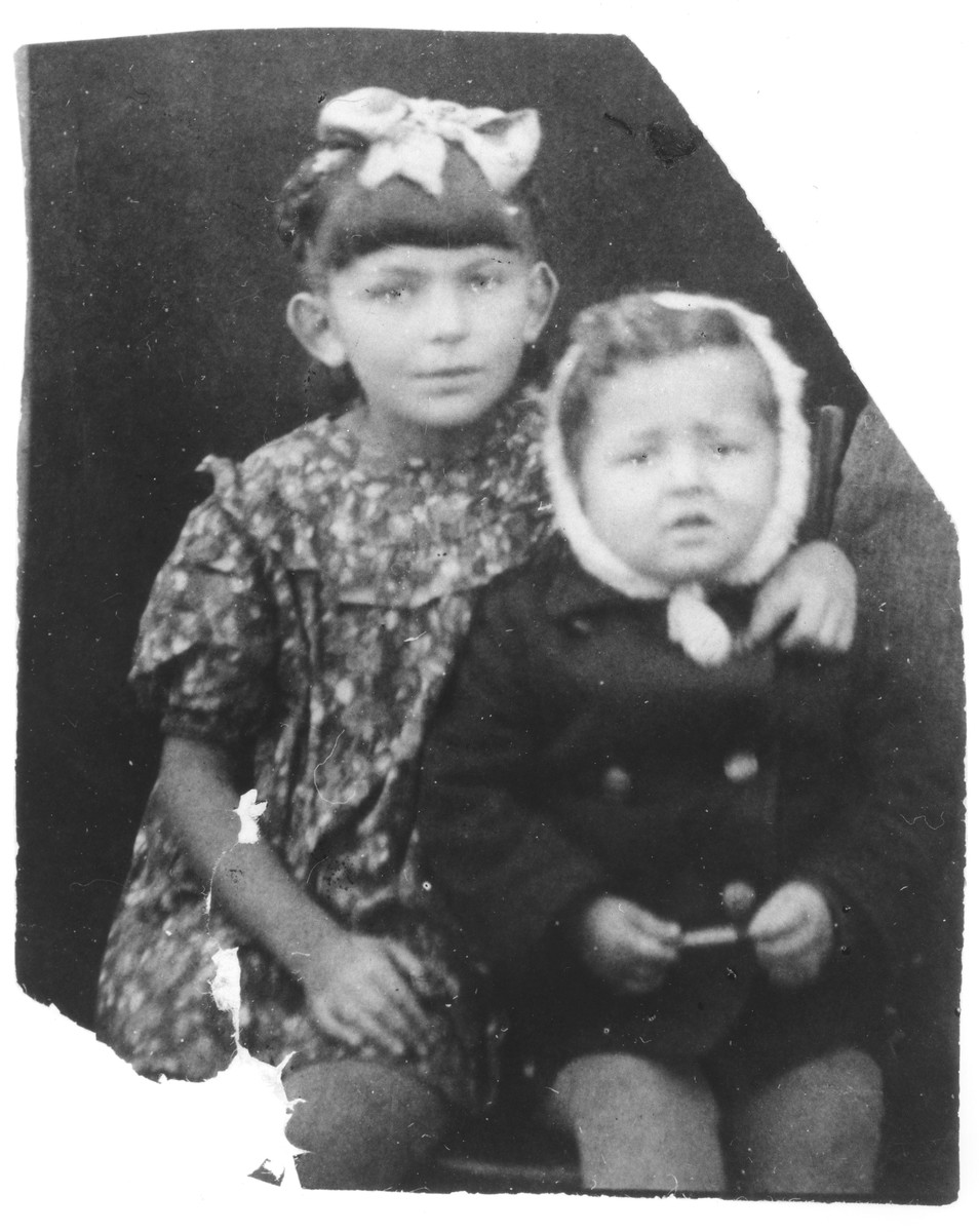 Portrait of Lila and Srulek Rajs, two Polish Jewish refugee children living in Azerbaijan.