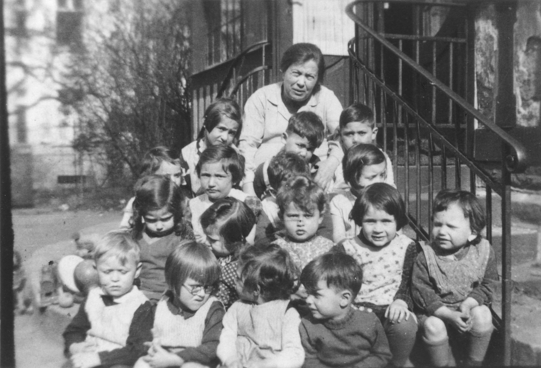 Group portrait of Jewish children at a preschool in Frankfurt am Main.  Among those pictured is Sonja Kaiser (second row from the front, on the far left).