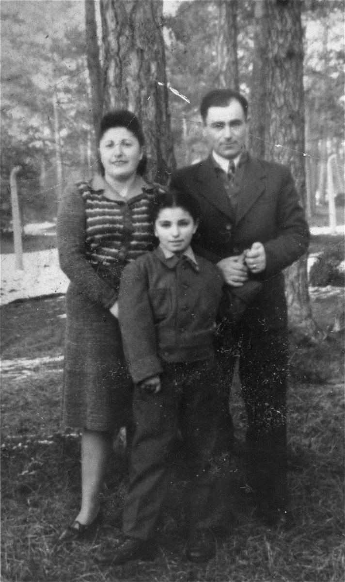 Chaia Libstug with her mother, Fira [Esther] Libstug, and her father, Isaac Libstug, at the Foehrenwald displaced persons camp.