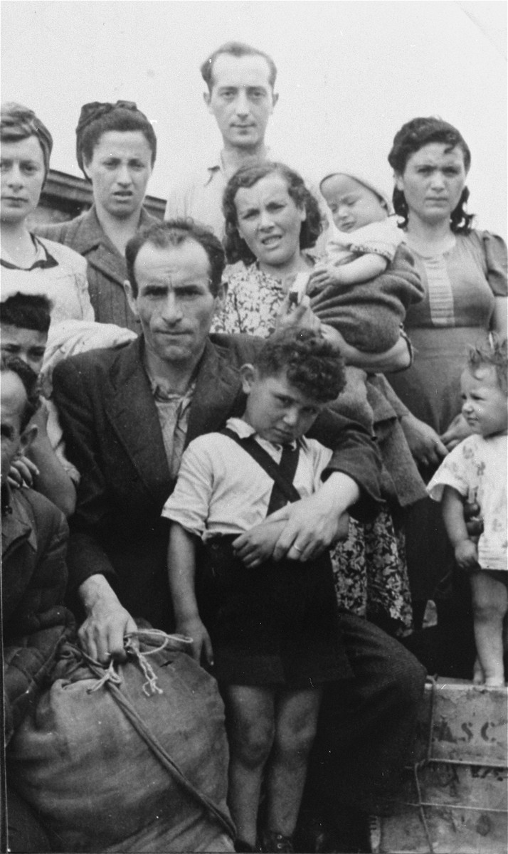 Arrival of the first refugees in the Zeilsheim displaced persons' camp.