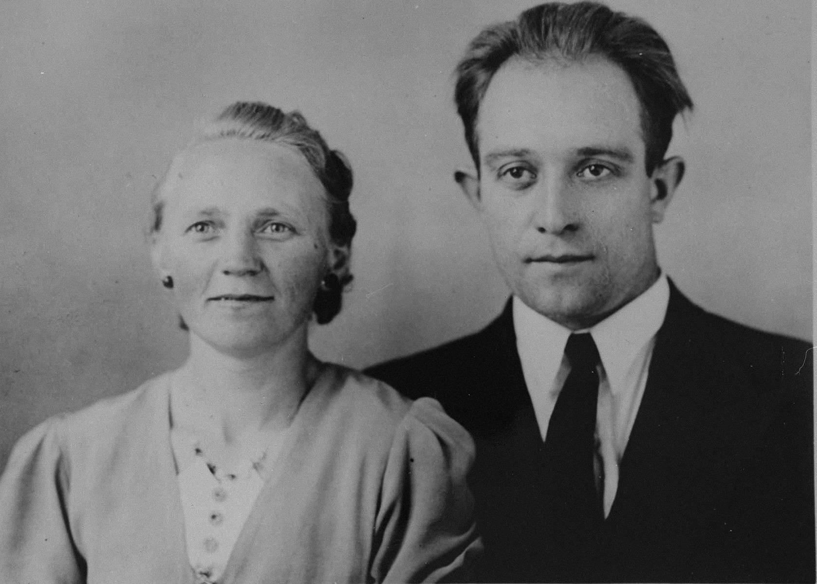 Portrait of Dutch rescuers Johannes and Janke DeVries who were recognized by Yad Vashem as Righteous Among the Nations in 1977.
