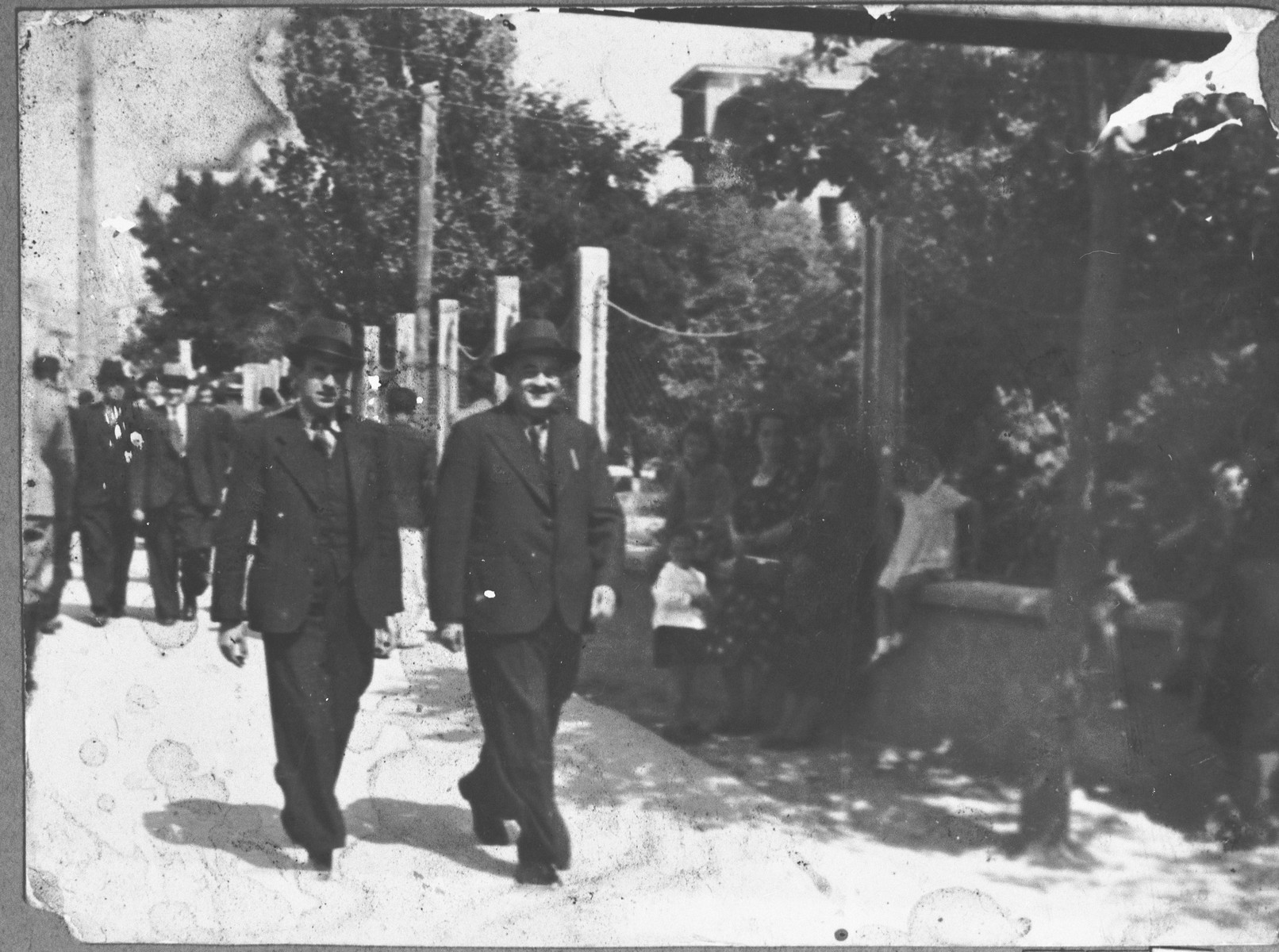 Street photo of Leon Kamchi and Isak Kolonomos.  Leon lived at Dr. Raisa 141 in Bitola.  Isak lived at Karaitza 10 in Bitola.