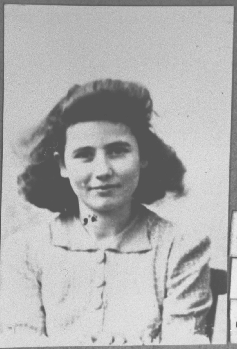 Portrait of Sol Kamchi, daughter of Mushon Kamchi.  She lived at Karagoryeva 64 in Bitola.