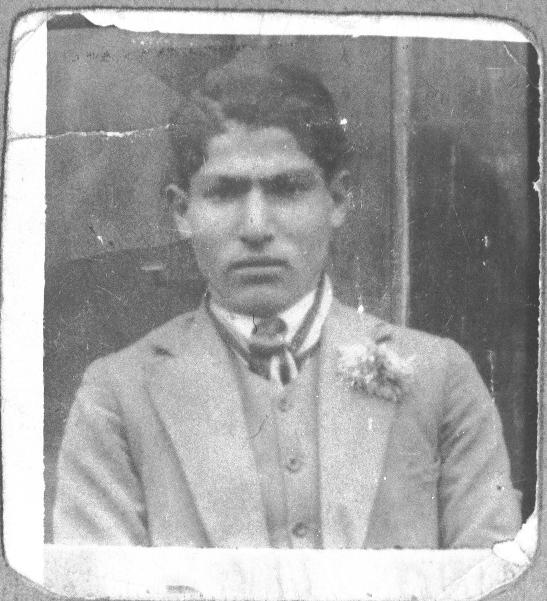 Portrait of David (M.) Kamchi.  He was a greengrocer.  He lived at Skopyanska 52 in Bitola.
