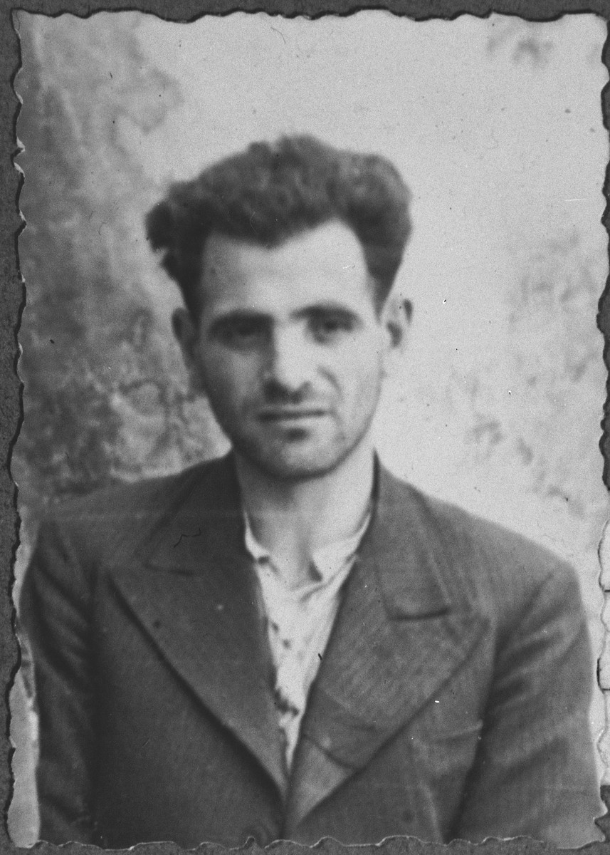 Portrait of Mois Kamchi.  He was a laborer.  He lived at Asadbegova 16 in Bitola.