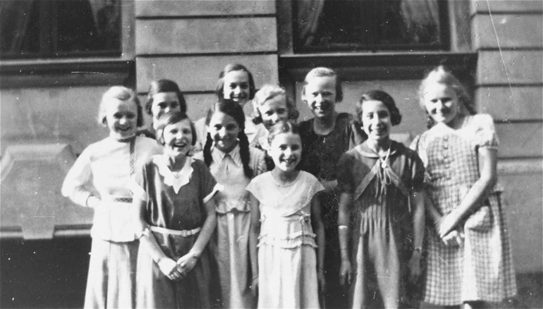 Group portrait of Jewish girls in Leipzig, Germany.  Among those pictured is Berta Rosenhein Hertz.