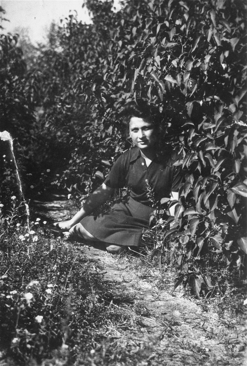 Portrait of Irka Cymerman, a Polish Jew living on a farm in Liw.