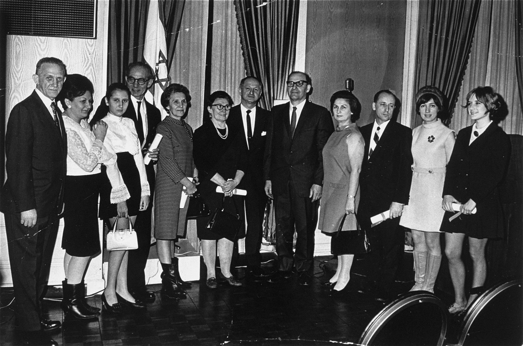 Polish rescuer Wladyslaw Wojcik is given an award at a ceremony at the American Israel Cultural Foundation.