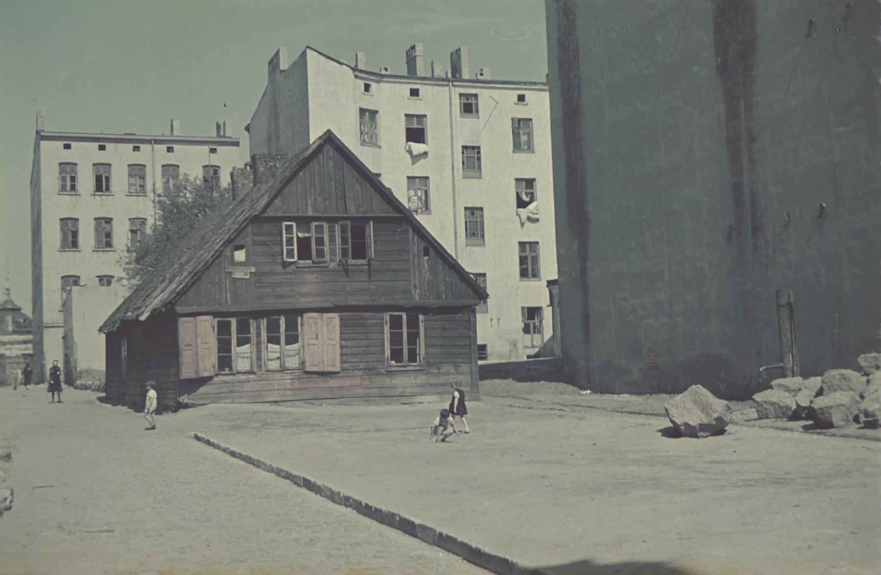A street scene in the Lodz ghetto.