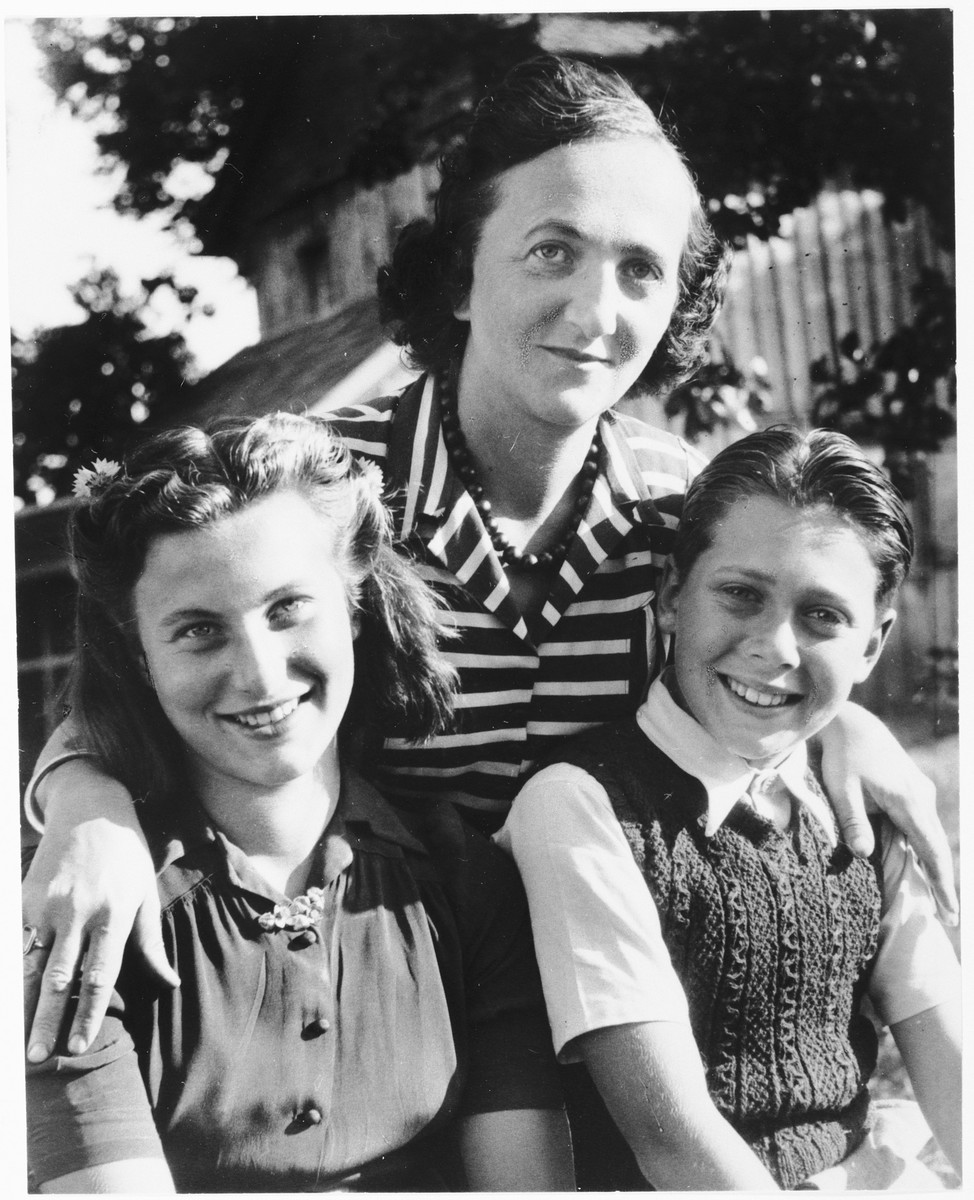 Jetti poses with her children Gerhard and Inge.  Sigmund was at a labor camp at the time of the photograph.