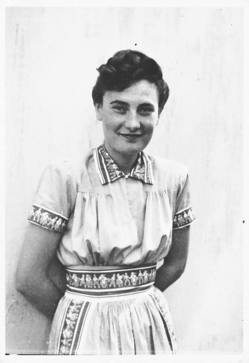 Portrait of a young Jewish woman in Bilki.  Pictured is Irene (Mermelstein) Hartman during a visit to her cousins in Bilki.