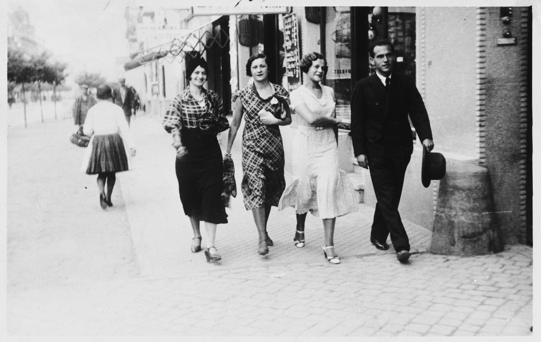 The donor's mother, Hildegard Hitschke-Stkutecka (second from right), with friends in her home town.