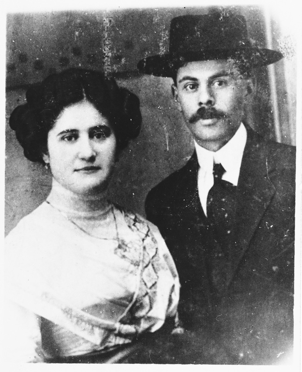 Wedding portrait of Moses Weinberger and Sara Haberman.