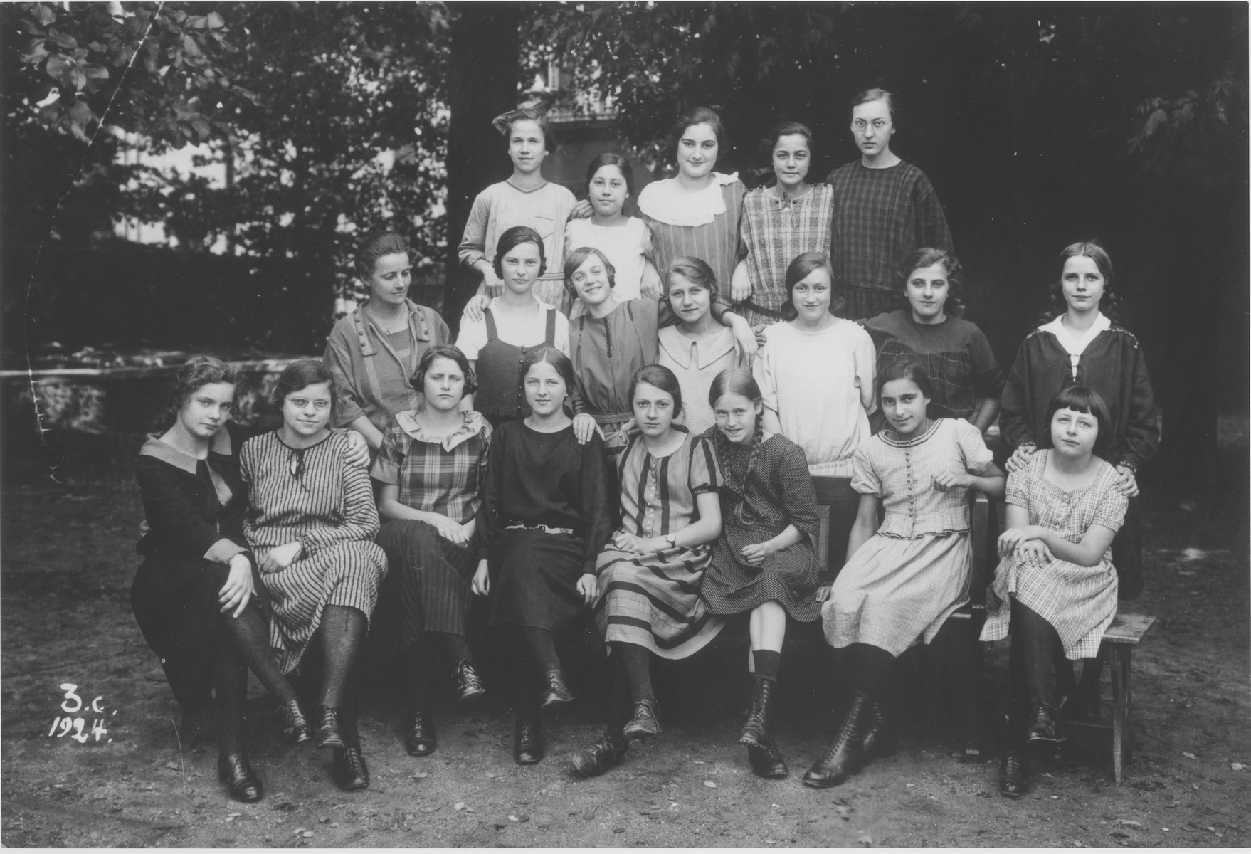 Group portrait of girls in the thrid form at a school in Guntersblum, Germany.  Among those pictured is Hede Rube (top row, center).