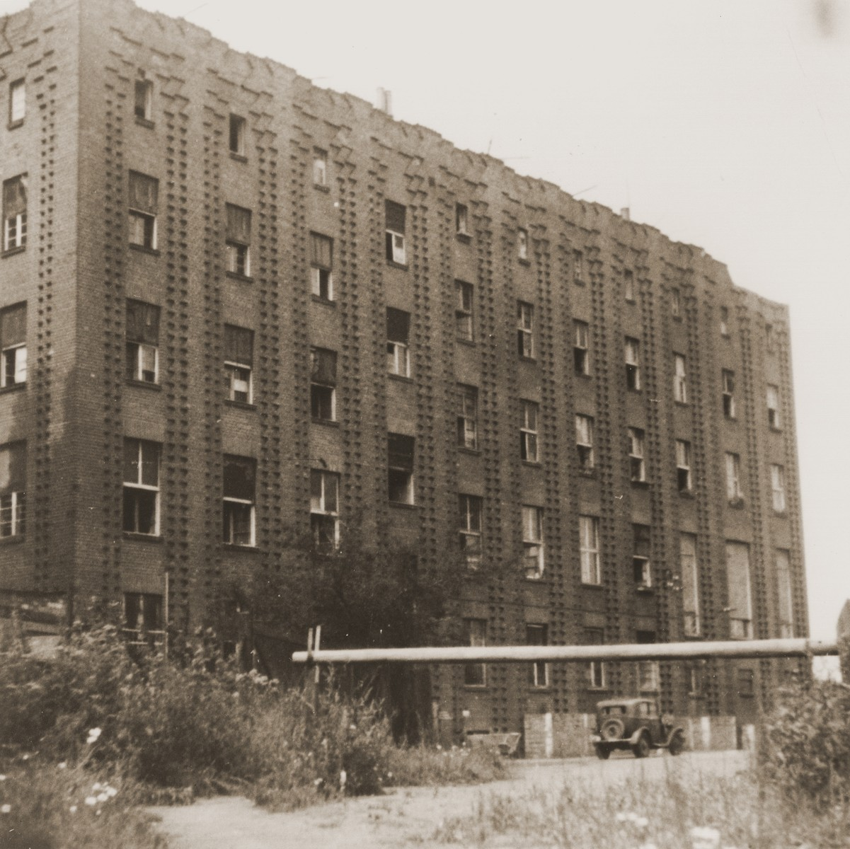 The Vinnhorst building on the outskirts of Hanover, which was used by the Nazis as an old-age home, housed approximately 200 Jewish DPs mostly from Bergen-Belsen.   Israel Zew Zaks was born in Przyrow, Poland on March 25, 1926 to Hela Gelbart (b. 1905) and Jakob (b. 1897) Zaks.  Jakob worked as a tailor, and Israel's older brother Natan was born in 1925 in Lodz.  In 1938 the family moved to Sosnowiec to be closer to their extended family.  Following the Nazi invasion, Israel and his family lived in the Jewish quarter on Dekerta Street until August 1942.  He worked in a uniform shop with his father while Natan worked in a furniture factory.  In August 1942 Israel was rounded up along with approximately 200 other young men and placed in a holding cell before being taken to a camp in Germany to set up the Krupp factory in Markstadt.  He never saw his family again.  In December 1944 Israel, along with 600 other prisoners, was forcibly marched to Gross Rosen in sub-zero temperatures with no protective clothing.  The following month he was marched from Gross Rosen to Goerlitz where he  was put to work making armored vehicles.  Once in Goerlitz, an SS man caught Israel and two other prisoners stealing discarded food from a dumpster behind the SS dining room.  He lined them up to be shot.  The men's lives were spared only because the SS man's gun repeatedly failed to fire.  On May 8, 1945 Israel was liberated by the Soviet army at the age of 19.  He tried to return to Sosnowiec but changed his mind after pogroms broke out in Poland.  Israel then went to Czechoslovakia and joined Bricha.  He then went to Gratz where he met with members of the Jewish Brigade.  Israel helped smuggle Jewish refugees into Tarvisio, Italy by setting up diversions.  He worked for a total of three months making two or three trips a week.  In December 1946 Israel moved to Zeilsheim DP camp before hearing that he had a cousin in Hannover.  Israel stayed in Hanover for the next three years.  He met his wife Mania Mell in December 1945, and the two were married the following April.  Mania was a survivor of the Lodz ghetto and the Auschwitz-Birkenau, Ravensbrueck, Mauthausen and Bergen-Belsen concentration camps.  In June 1949 Israel and Mania flew to the United Stated from Bremen, Germany.